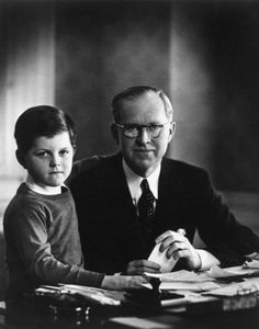 Joseph Kennedy with son Edward. Amazing how Uncle Ted looked the same to the day he passed. Kennedy Jr, Robert Kennedy, Die Kennedys, Joseph, Familia Kennedy, 10 Interesting Facts, John Fitzgerald, Jfk, Sisters