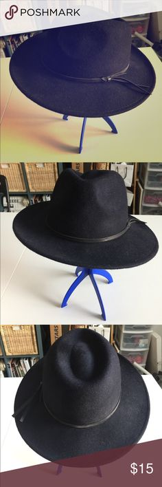 Forever 21 Navy Wool Hat S/M Fall is around the corner and you're going to NEED this classy hat to accentuate your fall looks! A gorgeous classy dark navy color. Tag reads 100% Wool. I ship from a smoke-free home. Forever 21 Accessories Hats