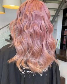 PINK DREAM by Andrevia - GETT'S Color Bar Salon Iulius Mall Cluj Appointments: 0264 555 777 #getts #gettssalons #pinkhair #waves Hair Color Purple, Brown Hair Colors, Green Hair, Blue Hair, 90s Grunge Hair, Soft Grunge Hair, Black And Silver Hair, Silver Hair Highlights, Alternative Makeup