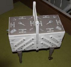 Boîte à couture relookée par descrap