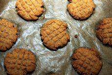 Jednoduche arasidove cookies I.jpg
