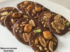Este es el curioso nombre que tienen unos bombones de chocolate con frutos secos muy fáciles de hacer, y más con esta receta del blog LA DULCE PASIÓN DE DAVID.