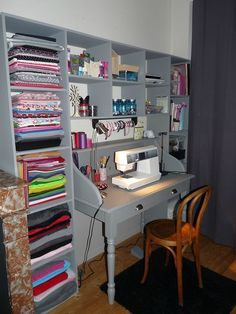 Coin couture - Le petit monde de Pauline - Sewing corner - The little world of Pauline - Sewing Room Design, Sewing Room Storage, Craft Room Design, Sewing Spaces, Sewing Room Organization, Craft Room Storage, Sewing Studio, Sewing Rooms, Craft Storage Ideas For Small Spaces
