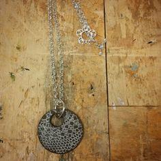 Keramiikka kaulakoru, ceramic necklace