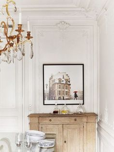 10 Parisian chic spaces that will wow you immediately - Daily Dream Decor French Interior, French Decor, Home Interior Design, Style At Home, Parisian Chic Decor, Parisian Style, French Apartment, Apartment Design, Apartment Interior