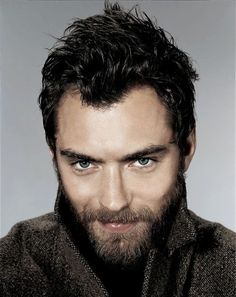 Jude Law...Sherlock Holmes...Cold Mountain...The Holiday