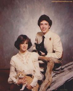 15 Weird Family Photos With Cats