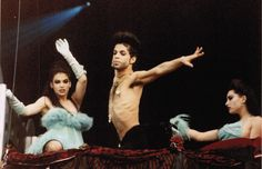 Prince, Diamond (Lori Wener) and Pearl (Robia LaMorte), Diamonds and Pearls Tour 1992.
