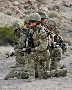 Royal Marines, 42 Commando are pictured during live firing traning in the Mojave Desert in California, USA. British Royal Marines, British Armed Forces, British Army, Military Weapons, Military Men, Rangers, Police, Military Camouflage, Us Marine Corps