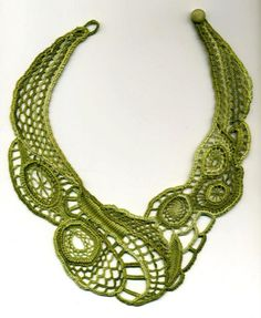 Green Needle Lace Necklace by Made using the cordonnet method and embroidery cotton. Freeform Crochet, Irish Crochet, Crochet Lace, Needle Lace, Bobbin Lace, Lace Necklace, Crochet Necklace, Fabric Necklace, Ideas Joyería