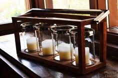 Salon w stylu Aspen. Aspen House, Glass Of Milk, Coffee Maker, Mountain, Kitchen Appliances, Living Room, Home Decor, Style, Coffee Maker Machine
