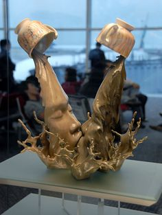 Johnson Tsang ceramic sculpture