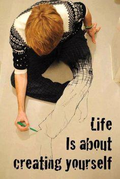 Life is about creating yourself- Imatge de @carlosgtardon