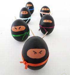 DIY Ninja Easter egg - fun egg painting idea for kids // Nindzsa húsvéti tojás - kreatív tojásfestési ötlet gyerekeknek // Mindy - craft tutorial collection // #crafts #DIY #craftTutorial #tutorial
