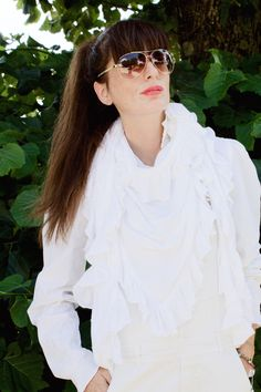 White and Sunnies, fringe and knit, Ponytail Girl, Blogger Lifestyle, Fashion Blogger Style, Ss16, Sunnies, Amanda, Ruffle Blouse, Mood, Long Hair Styles