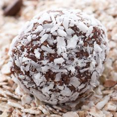 A tasty easy to make treat, Chocolate Peanut Butter Oatmeal Balls. Chocolate Peanut Butter Oatmeal Balls Recipe from Grandmothers Kitchen.