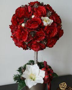 De sarbatoare #aranjament #flori #artificiale #floriartificiale #globuri #decoratiuni #unicat #cadou #inedit #craciun #flowerstagram www.beatrixart.ro