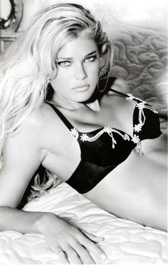 Tori Praver | GUESS Ad Campaign | Style | Glamour | Blonde