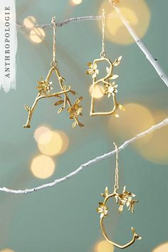 Time to personalise your tree with these wire alphabet letters.