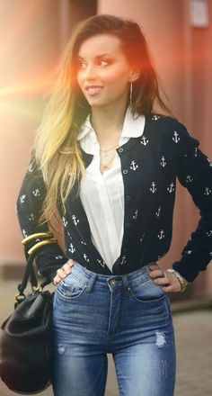 Black on White Layered Shirts |Hypnotizing Fashion                                                                             Source