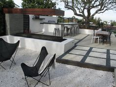 Modern Outdoor Patio Bar Decorating Ideas