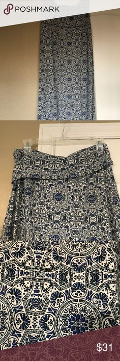 Convertible Skirt-Dress Lovely and comfortable, this goes from maxi dress (strapless) to skirt! Could be great for pool or pool party! Dress it up or down! Cynthia Rowley Skirts