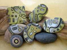 Polymer Clay Necklace, Polymer Clay Beads, Polymer Clay Crafts, Polymer Project, Altered Bottles, Having A Blast, Color Blending, Clay Tutorials, Metal Clay