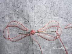 Have a nice Sunday! even today a sheet with a Punto Ombra bow. This point seems forgotten, it is used . Hand Embroidery Videos, Baby Embroidery, Hand Embroidery Stitches, Free Machine Embroidery Designs, Embroidery Techniques, Sewing Techniques, Embroidery Applique, Cross Stitch Embroidery, Embroidery Patterns