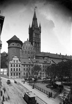 Когда были сделаны первые фотографии города Кёнигсберга (ныне Калининград) - никому не известно. Безусловно, были дагерротипы 1850-х гг., вполне возможно, и 1840-х,…