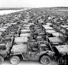 #FotosconHistoria: El cementerio de Jeep en Okinawa, Japón, tras la Segunda Guerra Mundial