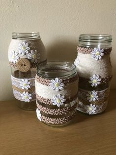 Beautiful jars covered with hessian and lace,twine and flowers Baby Food Jar Crafts, Mason Jar Crafts, Mason Jar Diy, Plastic Bottle Crafts, Wine Bottle Crafts, Bottle Art, Lace Jars, Handmade Decorations, Craft Gifts