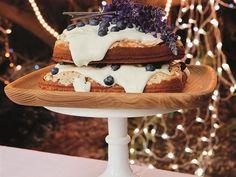 Meringue-laagkoek Meringue, Cakes, Desserts, Food, Merengue, Tailgate Desserts, Deserts, Essen, Cake