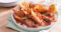 Planning a barbie? Feast on these tasty Prawns with Pesto Butter. Bbq Grill, Grilling, Seafood Recipes, My Recipes, Aussie Christmas, Grill Plate, Flavored Butter, Lemon Wedge, Prawn