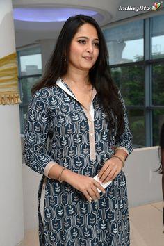 Glam Photoshoot, Anushka Photos, Actress Anushka, Shruti Hassan, Vidya Balan, Sonam Kapoor, Profile Photo, Beautiful Indian Actress, India Beauty