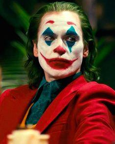 Juaquin Phoenix as The Joker Der Joker, Joker Dc, Joker And Harley Quinn, Joaquin Phoenix, Joker Cosplay, Joker Phoenix, Joker Film, Joker Poster, Joker Images