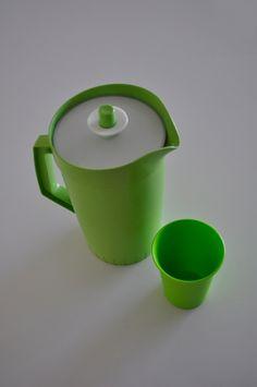 Tupperware Lime juice jug green tumber