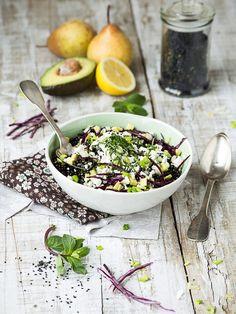 Salade de Lentilles Beluga, Avocat, Poire & Feta (et tout ce qui va avec)