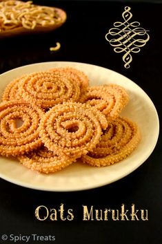Oats Murukku North Indian Recipes, South Indian Food, Indian Food Recipes, Ethnic Recipes, Easy Baking Recipes, Indian Sweets, Onion Rings, A Food, Waffles