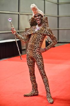 """Ruby Rhod, cosplayed by Larry Smith, photographed by Ron """"Spidey"""" Gejon"""