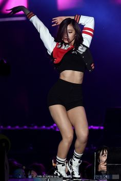 K Pop, Tzuyu Body, Stage Outfits, Fashion Outfits, Chaeyoung Twice, Tzuyu Twice, Dahyun, Most Beautiful Faces, Cute Asian Girls