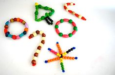 Homemade Christmas Ornaments for Kids with Pipe Cleaners and Wooden Beads - Buggy and Buddy