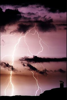 lightning - LOVE the colors in this picture