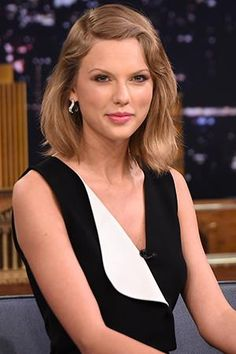 Taylor Swift donates to NYC public schools, proves herself as a real live angel