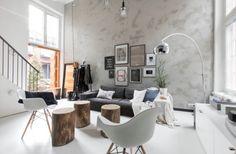 Salon décoration intérieur finlandais et matériaux bruts bois.