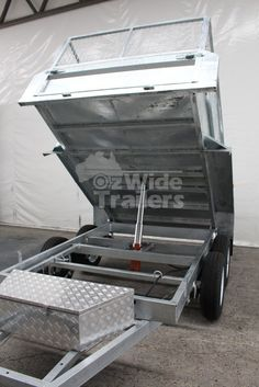 Come in or visit us online and have a look at our 9x5 hydraulic tipper trailer.