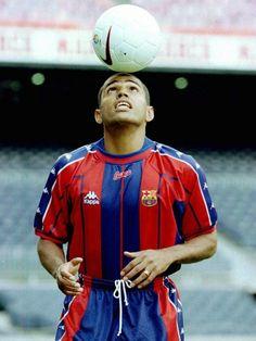 Sonny Anderson - Vasco da Gama, Guarani, Servette, Marseille, Monaco, Barcelona, Lyon, Villarreal, Al-Rayyan, Al-Gharafa, Brazil.