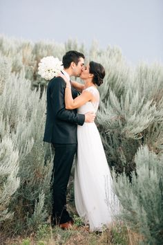 Photography: Josselyn Peterson Photographer - JosselynPeterson.com  Read More: http://www.stylemepretty.com/2014/12/12/intimate-oregon-wedding-at-brasada-ranch/
