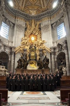 The photo above was taken during the Jane Froman Singers' trip to Italy in April. You can read all about their trip on their blog: http://jfstravels.blogspot.com/