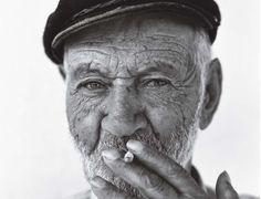 αλεπού του Ολύμπου: Στην Ελλάδα, έχουν μείνει οι γέροι, οι δημόσιοι υπ...