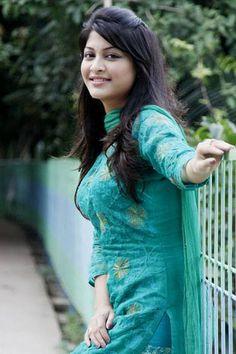 Bangladeshi Hot Model Sarika New Photos Wedding Husband